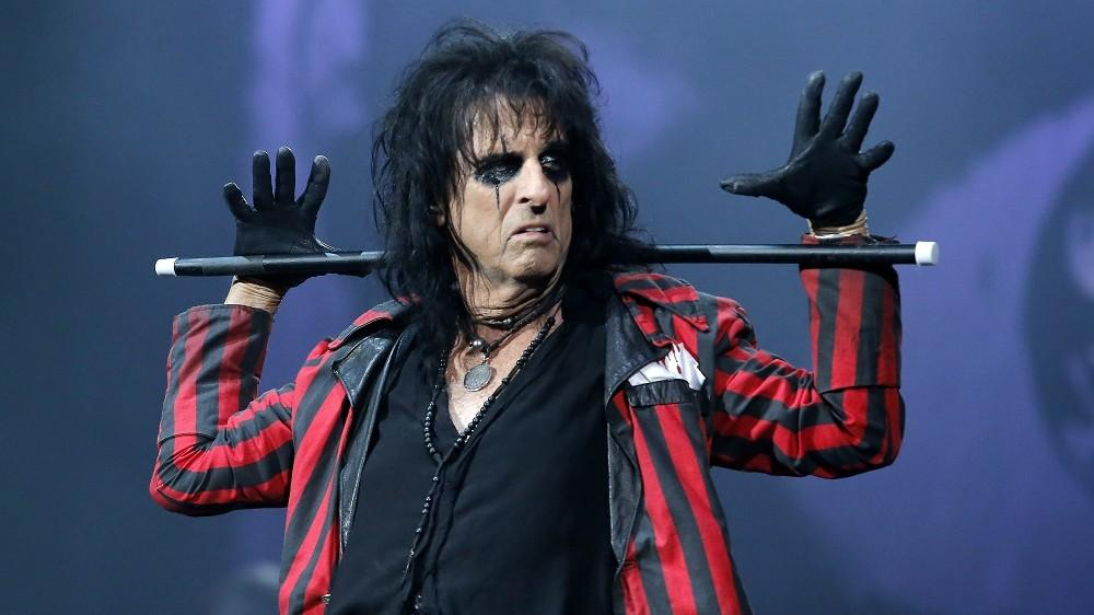 Alice Cooper - musicians who golf