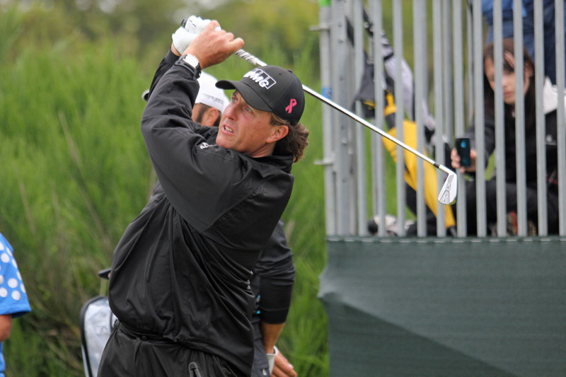 phil mickelson swinging a club