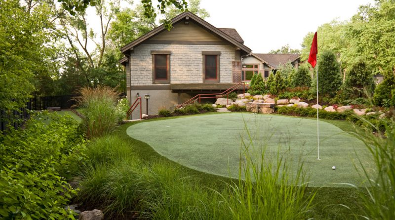 5 Golf-Inspired Backyards You'll Drool Over - Putt-putt Archives - Golf Blog RockBottomGolf.com