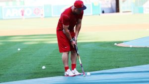 On The Range-MLB Golfers